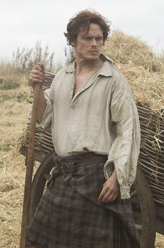 Outlander: All the Pictures of Scorching-Hot Scot Jamie from PopSugar