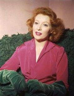 Greer Garson-green gloves