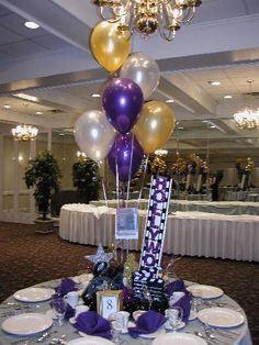 Elegant Hollywood Centerpieces | Balloon Pantry - Delivery