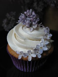 Cupcake Decoration Tip - Edible Flowers