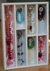 cutlery organizer & door knobs