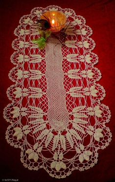 El İşleri: Şubat 2018 Crochet Doily Patterns, Crochet Art, Thread Crochet, Crochet Doilies, Knitting Patterns, Crochet Table Topper, Crochet Table Runner, Crochet Tablecloth, Crochet Bedspread