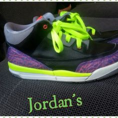 Girls shoes Girls Jordan's. There Gently used.... No tears or stains... There a size 2 Jordan's Shoes Athletic Shoes