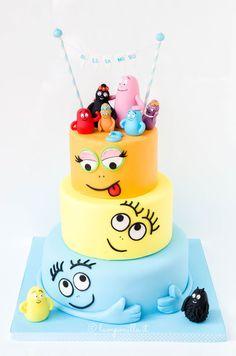 La torta Barbapapà piace ai bambini perché è coloratissima e agli adulti che ricordano con piacere quando restavano a guardarli in tv.