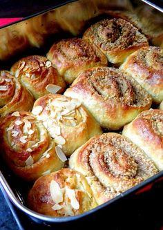 Ferdinánd-tekercs és darázsfészek - Kifőztük, online gasztromagazin Hungarian Recipes, Baked Goods, Shrimp, French Toast, Bakery, Sweets, Bread, Cookies, Vegetables