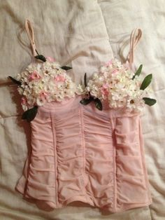 DIY homemade halloween - bustier with flowers for a woodland nymph costume