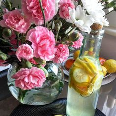 Good Morning! Do you drink lemon water in the morning before breakfast?   If not yet try it for a week and let us know how you feel  Cleno www.clenso.co.uk Lemon Water In The Morning, Lemon Health Benefits, Clean Life, Natural Health, Improve Yourself, How Are You Feeling, Healing, Table Decorations, Drink