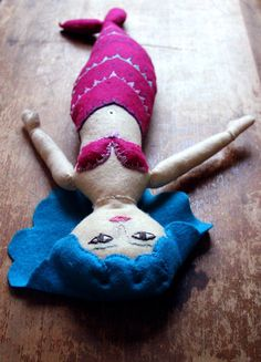 Handmade Felt Mermaid. Someone make me this!