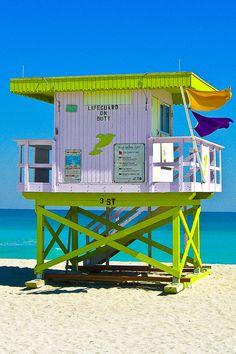épinglé par ❃❀Catherine Aeschlimann ❁✿à partir de  500px. Lifeguard on Duty, Miami Beach.