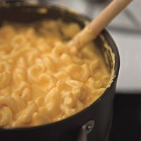 Stovetop Cheddar Mac Quick and easy. I think even my boyfriend could make this home made recipe. The consistency was amazing. The only thing I would change in the future is the cheese. I used cheddar as suggested, but I may try a different cheese blend or even craft slices next time.