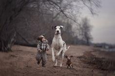 Τα μικρά παιδιά και οι γιγαντόσωμοι φίλοι τους |thetoc.gr