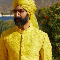 Sabyasachi Spring Summer 2019 collection just launched yesterday, and I have every single picture in this post for you. Lots of lehengas, sarees & more. Sabyasachi Lehenga Bridal, Red Lehenga, Lehenga Choli, Bridal Collection, Summer Collection, Sabyasachi Collection, Koffee With Karan, Ritu Kumar, Indian Groom