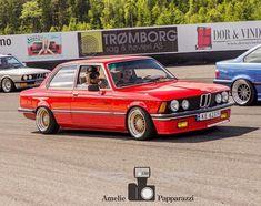 105 отметок «Нравится», 1 комментариев — oo=00=oo (@bmw.sevgisi) в Instagram: «#bmw #bmwe21 #3series #coupe #bmwclub #bmwclassic #classic #e21 #323i #320 #sport #germancar…»