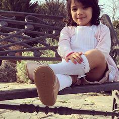 Enchanted with my new shoes, Total comfort, like if they think the same @sweetnswag  espero que les guste igual que a mi. #modelomarbella #modelokids #beautifulgirl #preciosa #spain #marbella2017 #marbellaclub #zapatoshermosos #preciososzapatosparaniñas #sweetnswag #moxford #bebé #beautifulgirl #babygirl #babycute #tresañitos #fotografia #enparque #encantada #nenalinda #niñahermosademami @sugar__kids