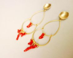 ECHTE KORALLE 16k vergoldete Chandeliers Ohrhänger von SCHMUCK. by felicitas mayer auf DaWanda.com