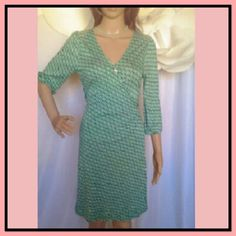 Casual  Dress Medium. But fits like a small.  Excellent good condition.EUC Old Navy Dresses Midi