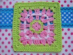 """Brenda's Flower square 9"""" (pattern)"""