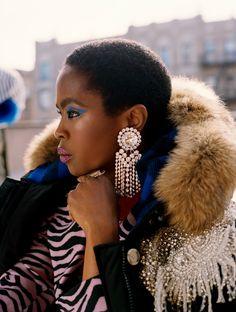 Lauryn Hill in Lauryn Hill Clothing Is Everything (Is Everything) Fashion Over 50, Girl Fashion, Fashion 2020, Afro, Miseducation Of Lauryn Hill, Lauren Hill, Dark Skin Girls, Lil Wayne, Beautiful Black Women