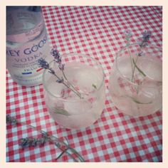 The Light Lavender Spritzer with Grey Goose    http://graciecarroll.com/lifestyle/the-light-lavender-spritzer/
