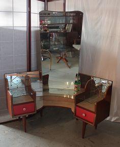 My first vintage vanity Dressing Table Vanity, Dressing Tables, Vanity Tables, Funky Furniture, Vintage Furniture, Bedroom Closet Design, Bedroom Decor, Retro Interior Design, Vintage Decor