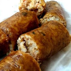 Make your own Cajun Boudin Sausage using this recipe. Start with a pork butt roast, add other ingredients, and you will be enjoying your own boudin. Boudin Sausage, Cajun Sausage, Creole Recipes, Cajun Recipes, Cooking Recipes, Haitian Recipes, Donut Recipes, Crab Cakes, Gumbo