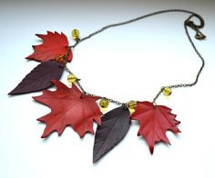 pendente a Maple leaf collana in pelle. Autunno di jewelryleather