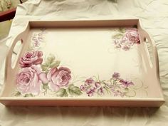 Bandejas Tole Painting, Fabric Painting, Painting On Wood, Decoupage Wood, Decoupage Vintage, Shabby Chic Tray, Shabby Chic Decor, Painted Trays, White Painted Furniture