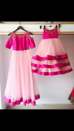 moeder n baby duo contact: 9966535354 Mommy Daughter Dresses, Mom And Baby Dresses, Mother Daughter Dresses Matching, Mother Daughter Fashion, Mom Daughter, Girls Dresses, Mother Daughters, Kids Party Frocks, Kids Blouse Designs