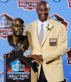 Jerry Rice, San Francisco 49ers. Class of 2010.