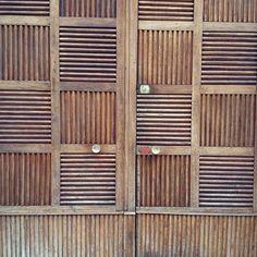 Portone or big door #Milano #porta #door #checkerboard #timberdoor