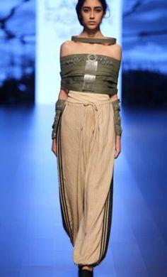 Lakme Fashion Week: Jewellery by Suhanie Pittie and deconstructed garments by Arjun Saluja – Aparna Mudi