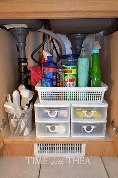 Lava-Loiças Idéias armário de armazenamento ~ idéias muito inteligente e de baixo custo para organizar o espaço no armário debaixo da pia para torná-lo um espaço de armazenamento funcional e acessível!  / timewiththea.com