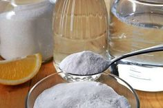 Unclog toilet baking soda and vinegar bathroom c baking c Epsom salts, dish detergent.form in miffin liner, let dry overnight--drop one into toilet + 4 c water Dish Detergent, Laundry Detergent, Remove Yellow Stains, Remover Manchas, Baking Soda Water, Natural Kitchen, Lemon Essential Oils, 4 Ingredients, Deodorant