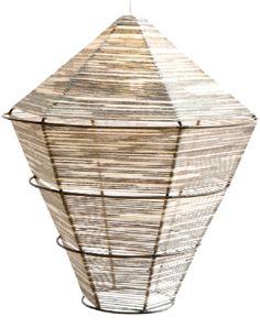 Lampara con estructura de hilo de algodon con estructura de hierro.LUMIKA DESIGN