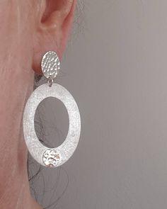 """Gefällt 34 Mal, 0 Kommentare - ARGENTO SCHMUCK DESIGN (@argento_schmuck_design_graz) auf Instagram: """"""""Keep it simple - meets SILVER"""" 😍 Design Ohrschmuck,handgeschmiedet..💪💎🔨…"""" Keep It Simple, Schmuck Design, Crochet Earrings, Drop Earrings, Instagram, Jewelry, Graz, Ear Jewelry, Stud Earring"""