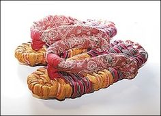 Nuno Zori - japanese woven sandals http://www.weavingmehome.com/wp-content/uploads/2012/03/Nuno-Zouri-Sandals.pdf