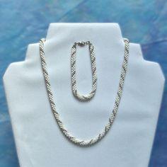 . Arrow Necklace, Jewelry, Fashion, Jewlery, Moda, Jewels, La Mode, Jewerly, Fasion