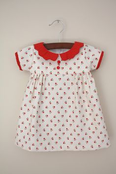 Free Baby Clothes Patterns Free pattern/tutorial for this adorable vintage-style baby dress with short sleeves. Plus, browse over 200 more free baby clothes patterns! Baby Clothes Patterns, Clothing Patterns, Sewing Patterns Free, Free Sewing, Free Pattern, Sewing Ideas, Toddler Dress Patterns, Baby Dress Pattern Free, Pattern Sewing