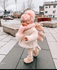 So Cute Baby, Cute Baby Pictures, Baby Kind, Cute Kids, Cute Babies, Baby Baby, Baby Girls, Winter Baby Clothes, Baby Winter