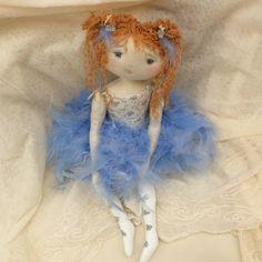 Bel oiseau bleu (ciel)...prête à danser sa variation dans la Belle au bois dormant..(35cm) - Le Jardin des Farfalous
