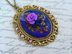Große Halskette in gold mit handgearbeiteter Rose von Schmucktruhe, €34.00