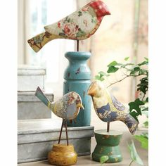 always bring any vignette to life. These are sweet. An odd shape, but any bird figure from thrift store, or craft, then decoupage. And spindle salvage for the bases. Paper Art, Paper Crafts, Little Birdie, Bird Crafts, Fabric Birds, Paper Birds, Paperclay, Pretty Birds, Beautiful Birds
