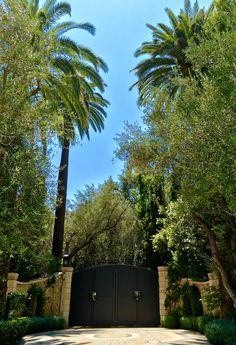 If you are building or remodeling a home always remember the importance of creating a beautiful entry gate. First impressions count. #realestate #entrygates #holmbyhills