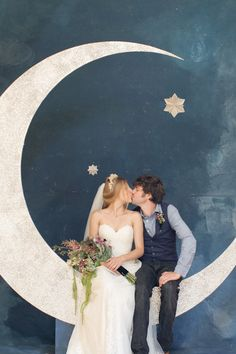 A Midsummer Night's Dream ! enchanted, whimsical, celestial, all-encompassing feeling of the night sky photo booth idea <3