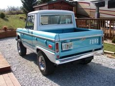 Vintage Trucks Hemmings Find of the Day – 1970 Ford Bronco Classic Ford Broncos, Classic Bronco, Ford Classic Cars, Classic Trucks, Old Ford Trucks, Diesel Trucks, Pickup Trucks, Ford Diesel, Ford 4x4