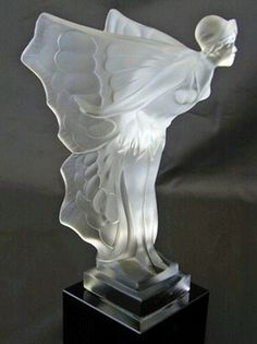René Lalique Art Deco Lady Figurine.