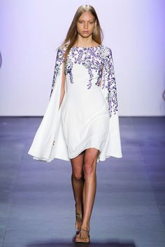 Tadashi Shoji at New York Fashion Week Spring 2016 - Runway Photos New York Fashion, Runway Fashion, High Fashion, Fashion Show, Spring Summer Fashion, Spring 2016, Summer 2016, Tadashi Shoji, Girly Outfits