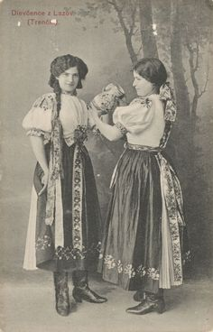 Pavol Socháň - Dievčence z Lazov, Trencin, Slovakia Folk Costume, Costumes, Costume Dress, Two Ladies, Tribal Dress, My Land, Victorian Fashion, Hungary, Nostalgia
