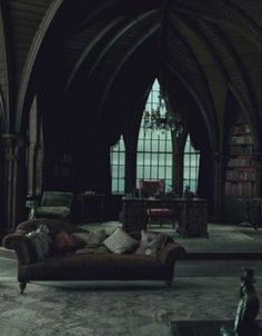 Both cozy and bookish with Gothic flair. Just like the Slytherin common Room Gothic Mansion, Gothic House, Gothic Castle, Victorian Gothic Decor, Gothic Chic, Modern Victorian, Haunted Mansion, Gothic Interior, Interior Design