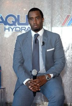 P diddy dress style names Sean P Diddy Combs, Sean Combs, Dress Style Names, Puff Daddy, Bet Awards, Business Fashion, Business Suits, Fashion Essentials, Celebs